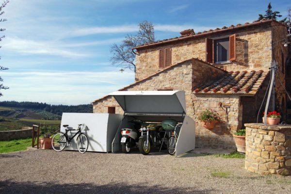 box aperto chiuso con bici